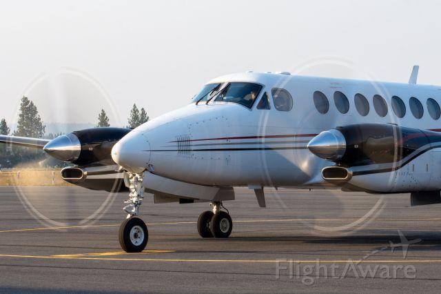 Beechcraft Super King Air 350 (N17WC) - WCC17