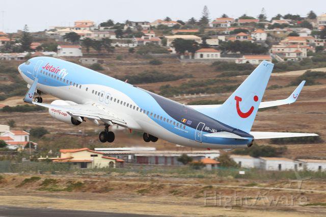 Boeing 737-800 (OO-JAU)