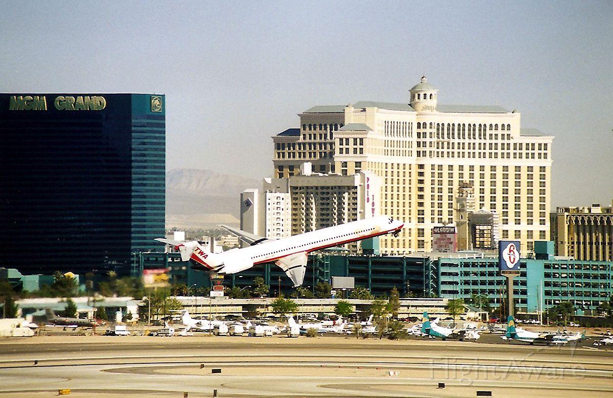 McDonnell Douglas MD-82 — - KLAS - Hmmmmmmmmmm