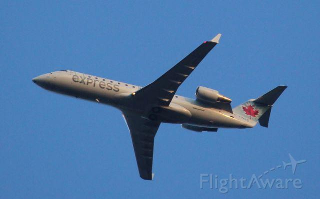 Canadair Regional Jet CRJ-200 (C-FWRS)