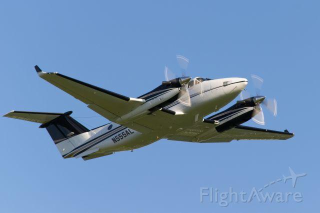 Beechcraft Super King Air 350 (N555AL) - Oshkosh Airventure 2015