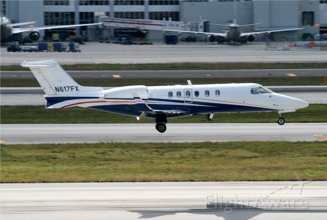 Learjet 60 (N617FX) - LANDING ON MIAMI INTERNATIONAL