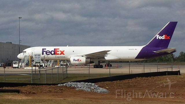 Boeing 757-200 (N939FD)