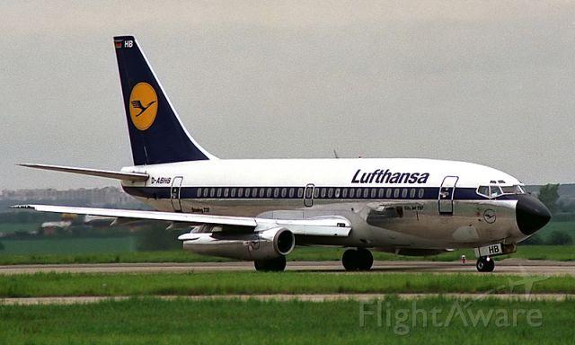 Boeing 737-200 (D-ABHB) - Boeing 737-230/Adv Lufthansa (1988)