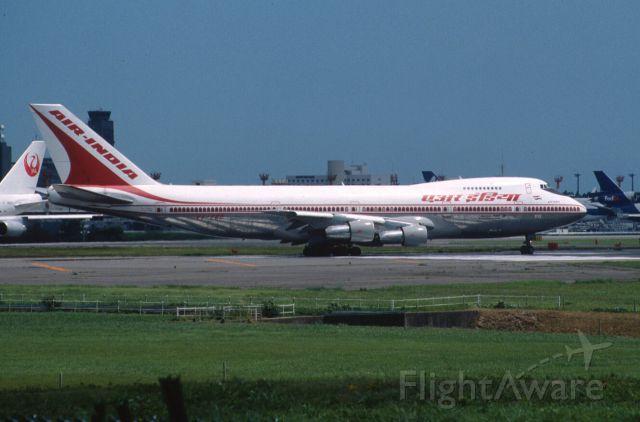 Boeing 747-200 (VT-EGC) - Departure at Narita Intl Airport Rwy16R on 2000/07/30