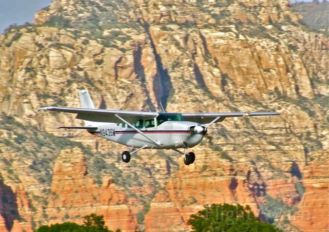N9436M — - Cessna 206 on final for Rwy 21, Sedona Airport