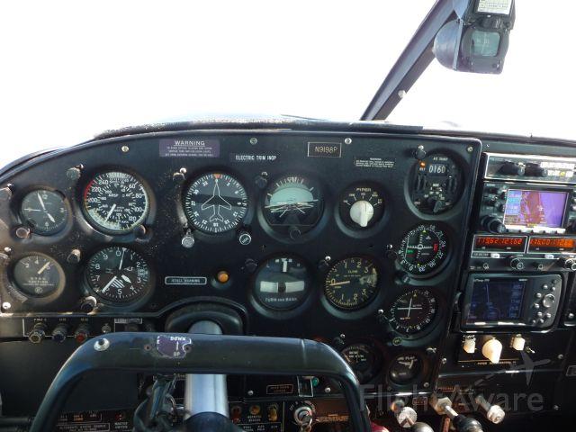 Piper PA-24 Comanche (N9198P)
