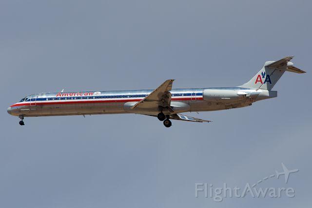 McDonnell Douglas MD-80 (N9627R)