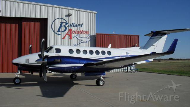 Beechcraft Super King Air 350 (N409LV)