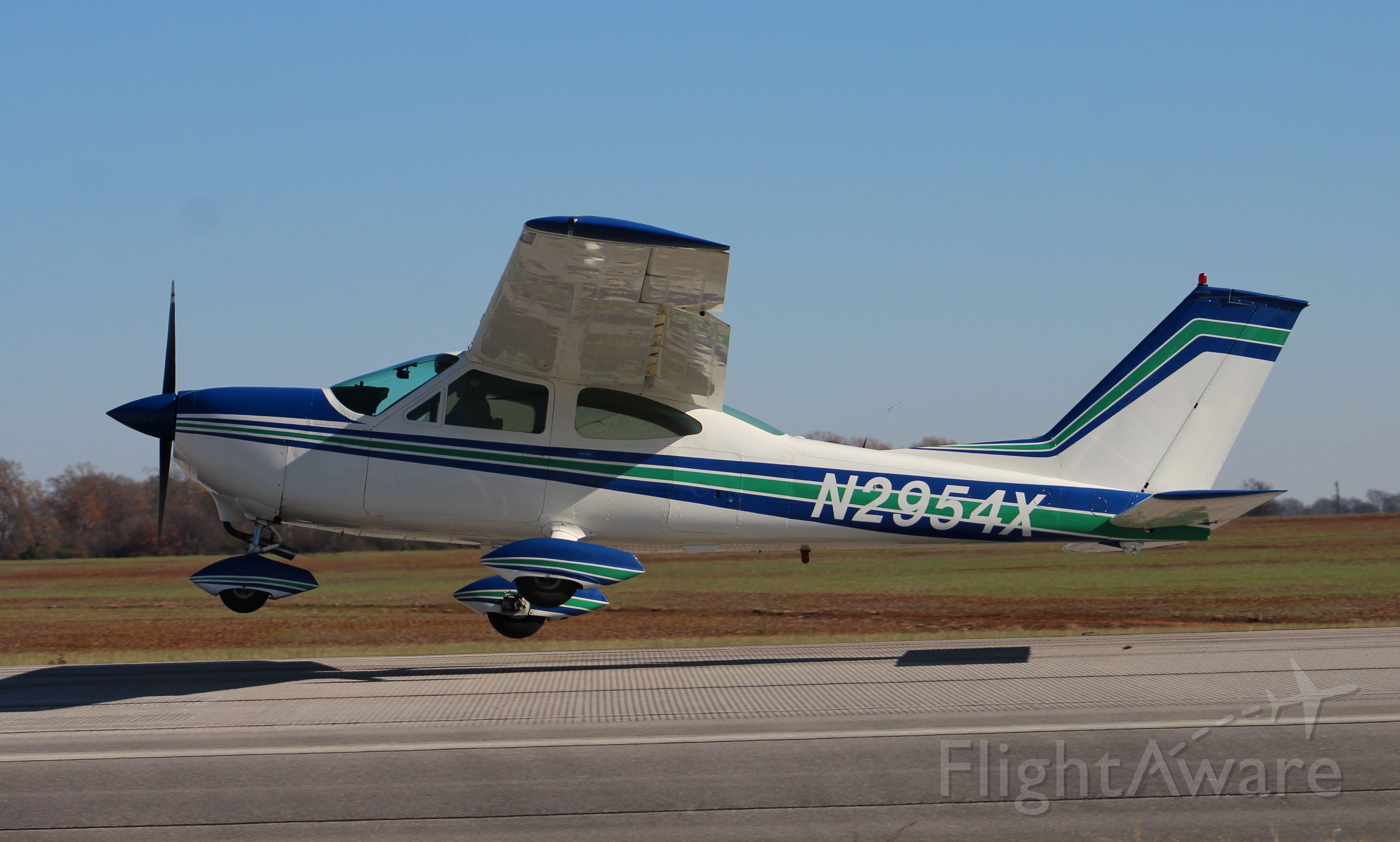Cessna Cardinal (N2954X) - A Cessna 177 Cardinal departing Runway 36 at Pryor Field Regional Airport, Decatur, AL - December 10, 2016.