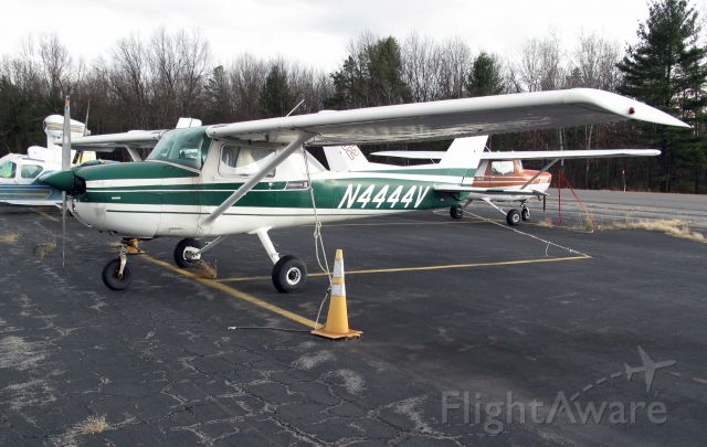 Cessna 206 Stationair (N444V)