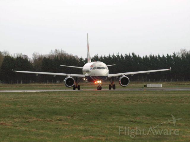 Airbus A318 (G-EUNA)