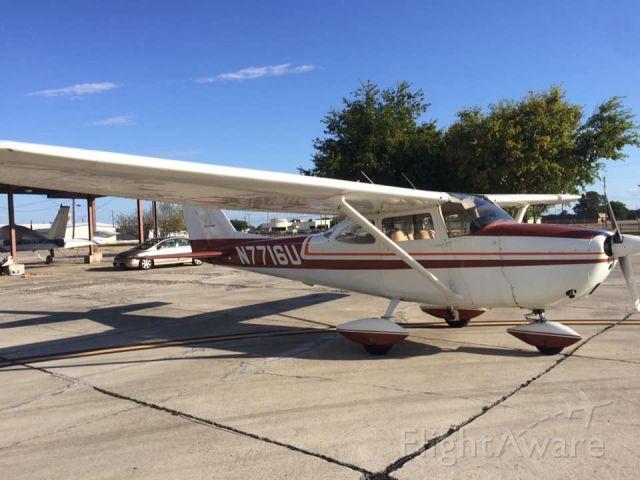 Cessna Skyhawk (N7716U)