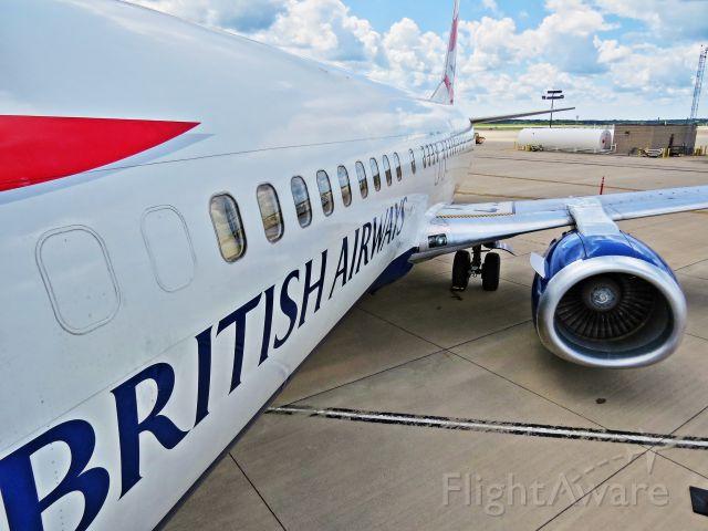 BOEING 737-400 (G-DOCU) - G-DOCU on it's retirement flight, clears Customs in RFD.