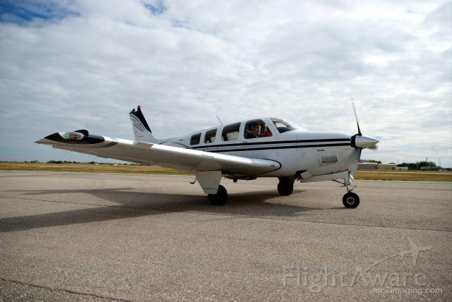 Beechcraft Bonanza (36) (N260EA)