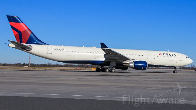 Airbus A330-300 (N825NW) - This flight carried the Carolina Panthers to Baltimore, MD.