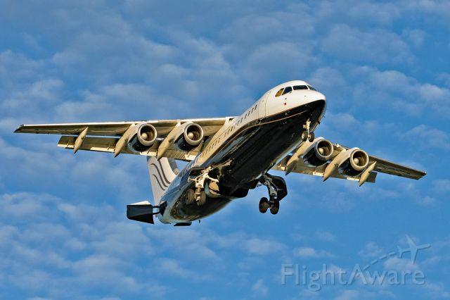 Avro RJ-100 Avroliner (C-GSUI)