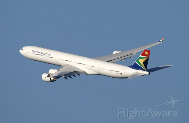 Airbus A340-600 (ZS-SNA) - South African Airways climbing from RWY 1R