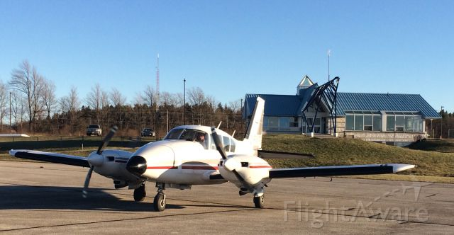 Piper Aztec (C-FWPD) - Welcome to your new home @CYOS with Owen Sound Flight Services.
