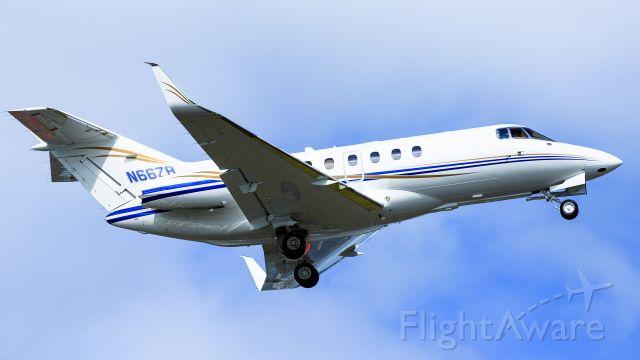 Boeing Goshawk (N66ZB) - Hawker N66ZB departing TNCM St Maarten.