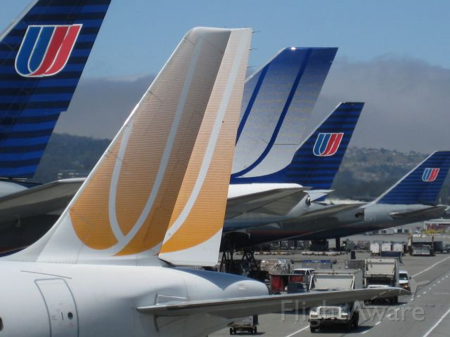 — — - United livery, old, really old and Ted.