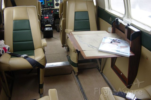 Beechcraft Queen Air (65) (C-FBOY) - Interior