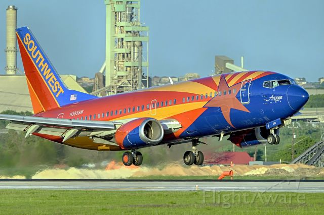 BOEING 737-300 (N383SW) - 22 arrival.