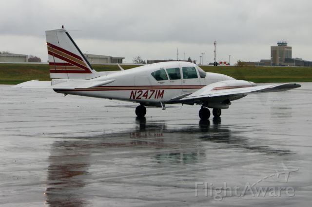 Piper Apache (N2471M)