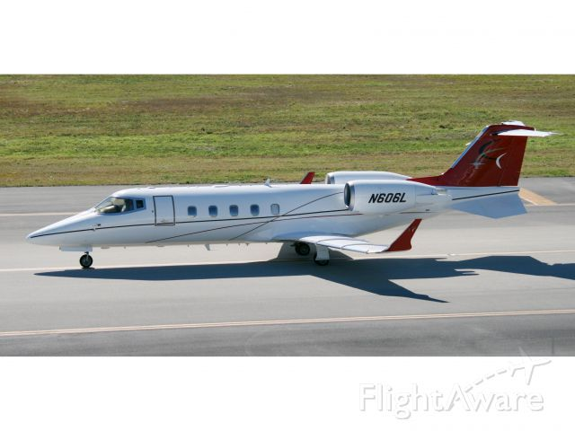 Learjet 60 (N606L) - The Lear 60 is a very powerful aircraft with initial climb rates in excess of 6,000fpm.