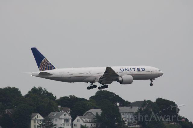 Boeing 777-200 (N77019)