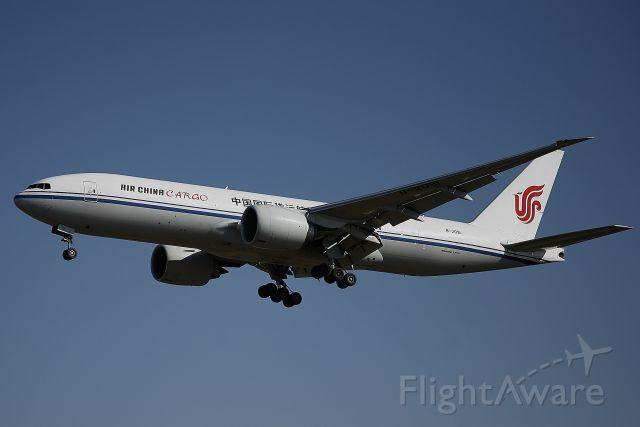 Boeing 777-200 (B-2091)