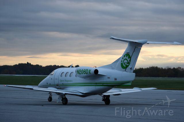 Embraer Phenom 100 (N208DX)