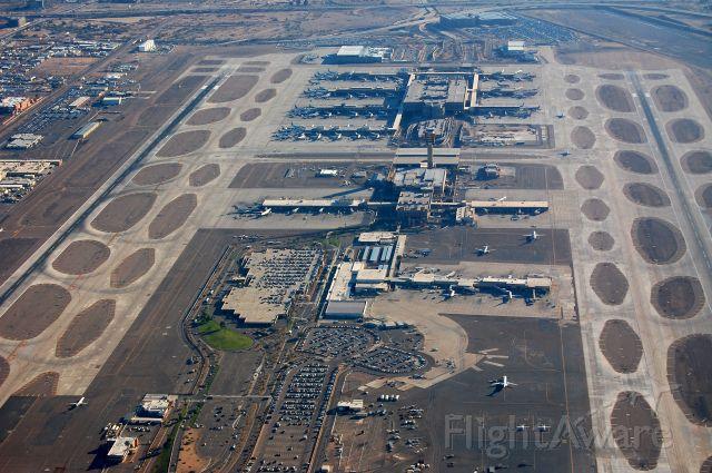 KPHX — - Phoenix, AZ, Sky Harbor International (KPHX) as seen from the west bravo transition at 3,500 feet.