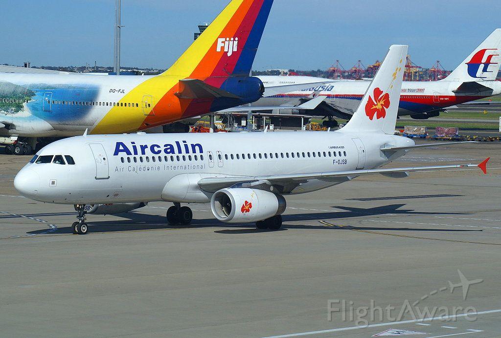 Airbus A320 (F-OJSB)