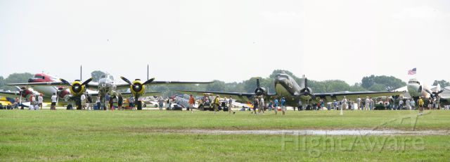 Douglas DC-3 — - DC-3