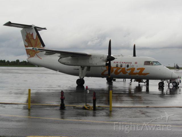 de Havilland Dash 8-400 (C-GJMI)