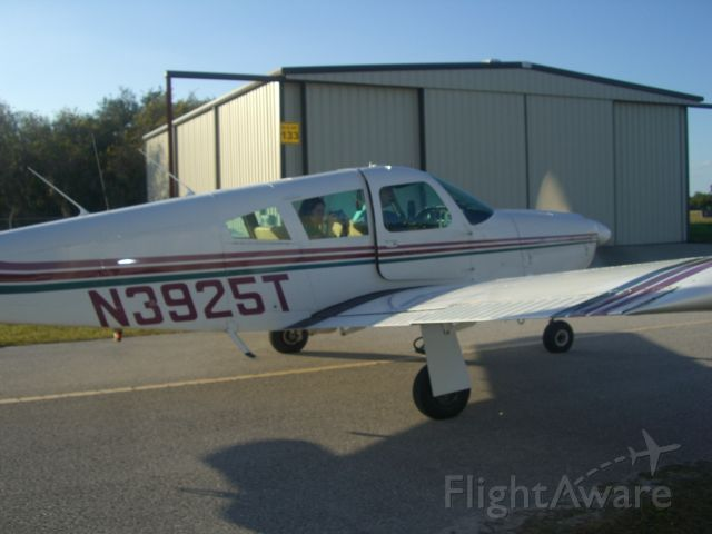Piper Cherokee Arrow (N3925T)