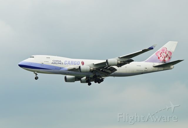 Boeing 747-400 (B-18720)