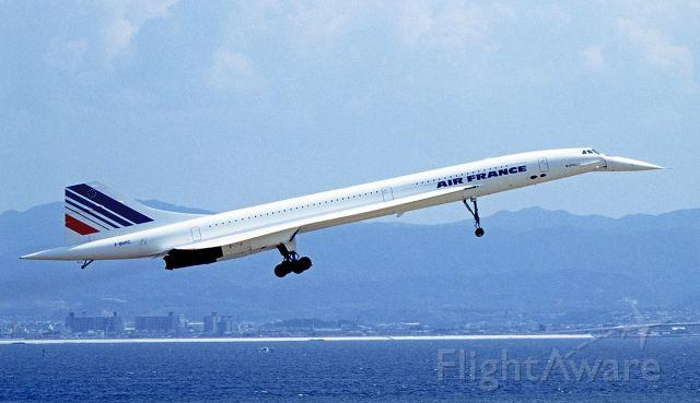 — — - Dans mes rêves.... Je n ai jamais pu prendre cet avion fabuleux