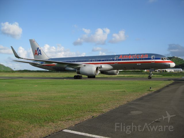 Boeing 757-200 (N697AN) - AAL