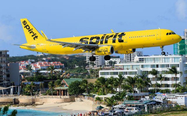 Airbus A321 (N687NK) - Spirit airlines Airbus N687NK landing at TNCM St Maarten.