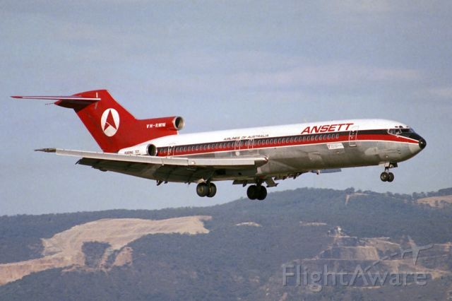 BOEING 727-200 (VH-RMW) - On short final for runway 23, Adelaide, Sth Aust, Sunday March 14, 1982.