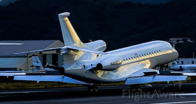 Dassault Falcon 7X (N406EX) - Private N406EX landing at TNCM St Maarten very early after a long flight!!