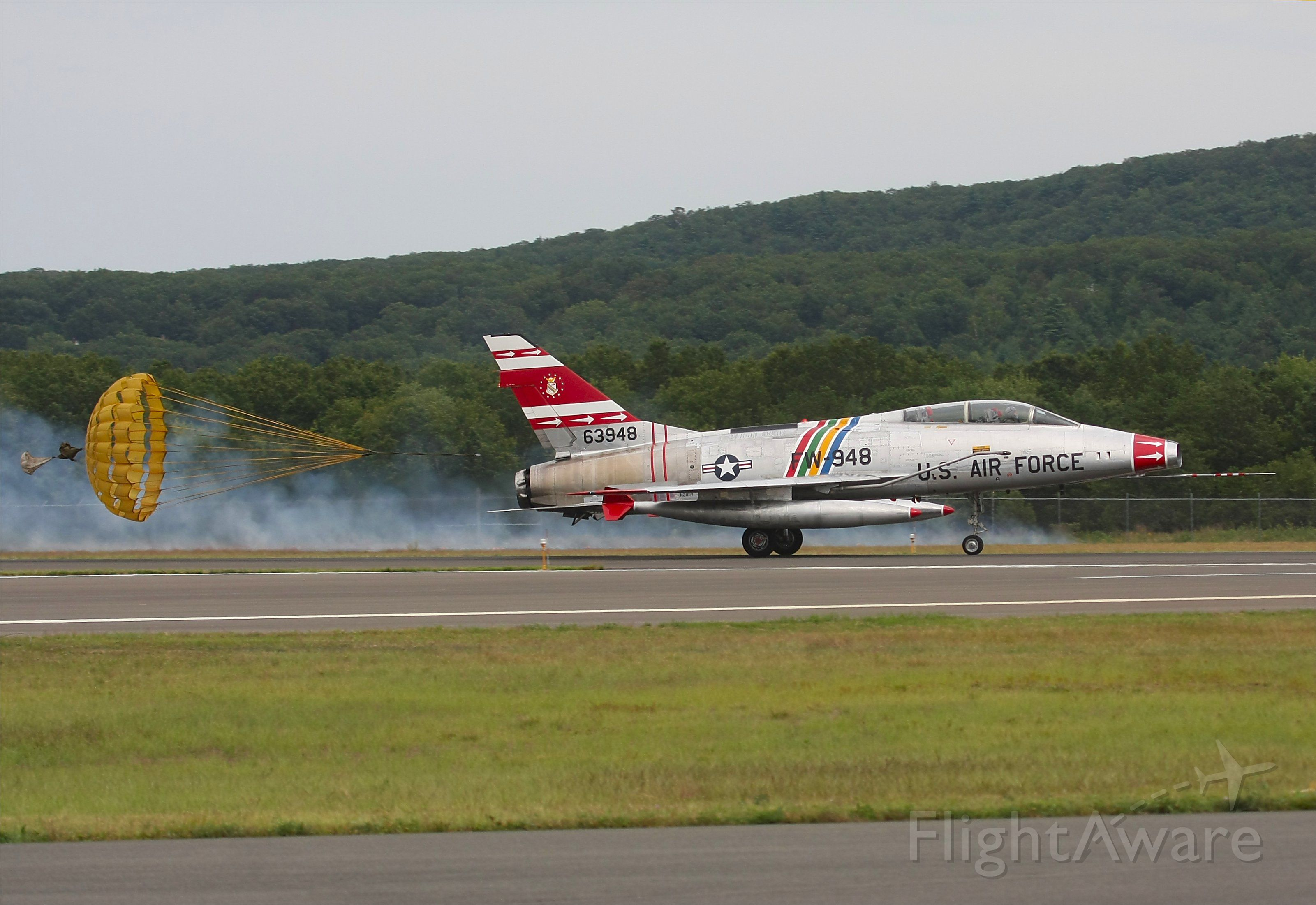 Fokker 100 (N2011V) - Displayed at the airshow Aug 2010