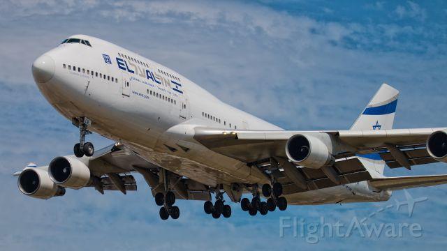 Boeing 747-400 (4X-ELE)