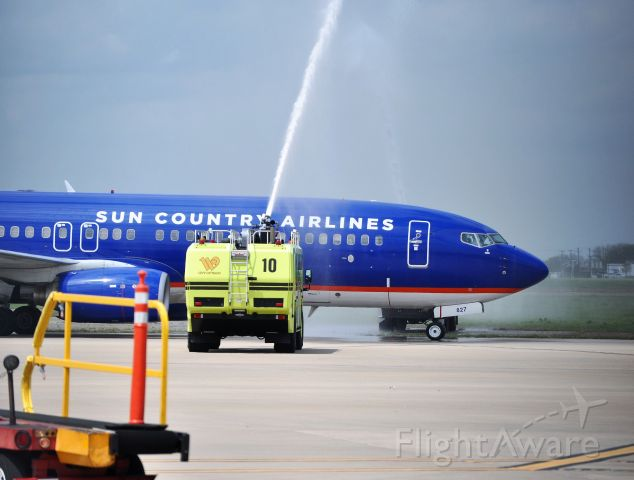 Boeing 737-700 — - National Champion Baylor Men's basketball team returns to Waco from Indianapolis.