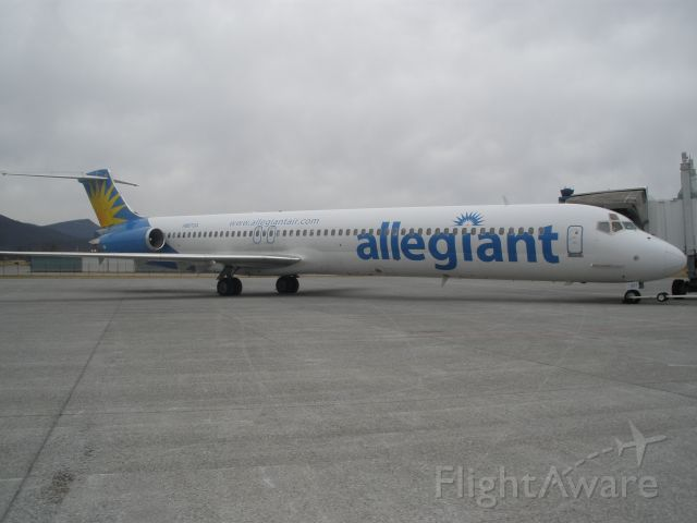 McDonnell Douglas MD-83 (N887GA) - Allegiant Air loaded and ready to go.I see these aircraft daily on the passenger ramp and being so I hardly ever take any pics of them,SO,some to come soon.