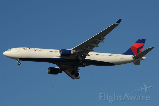Airbus A330-300 (N811NW)