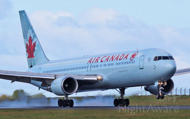 BOEING 767-300 (C-FTCA) - air canada b767-3 c-ftca landing at shannon from toronto 27/4/16.