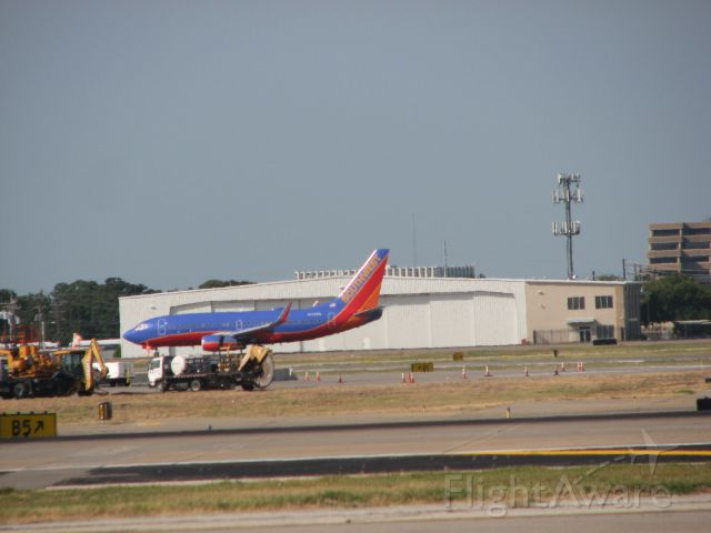 Boeing 737-700 (N766SW) - Southwest Airlines flight 1209 arriving from Little Rock, AR